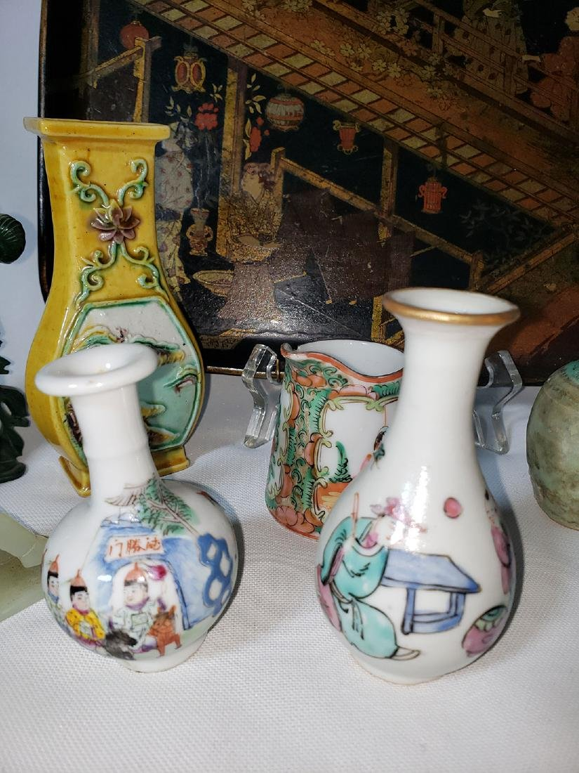 Lot of 10 Chinese / Japanese porcelain grouping - 3