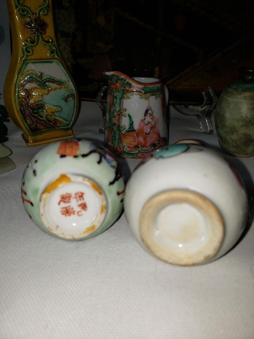 Lot of 10 Chinese / Japanese porcelain grouping - 6