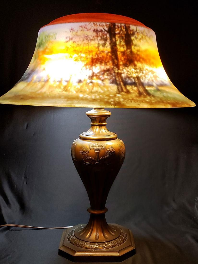 A lg fine signed Pairpoint reverse painted lamp