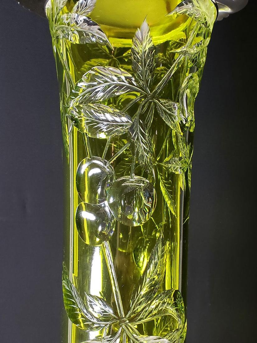 American Brilliant Period Baccarat green to clear vase - 4
