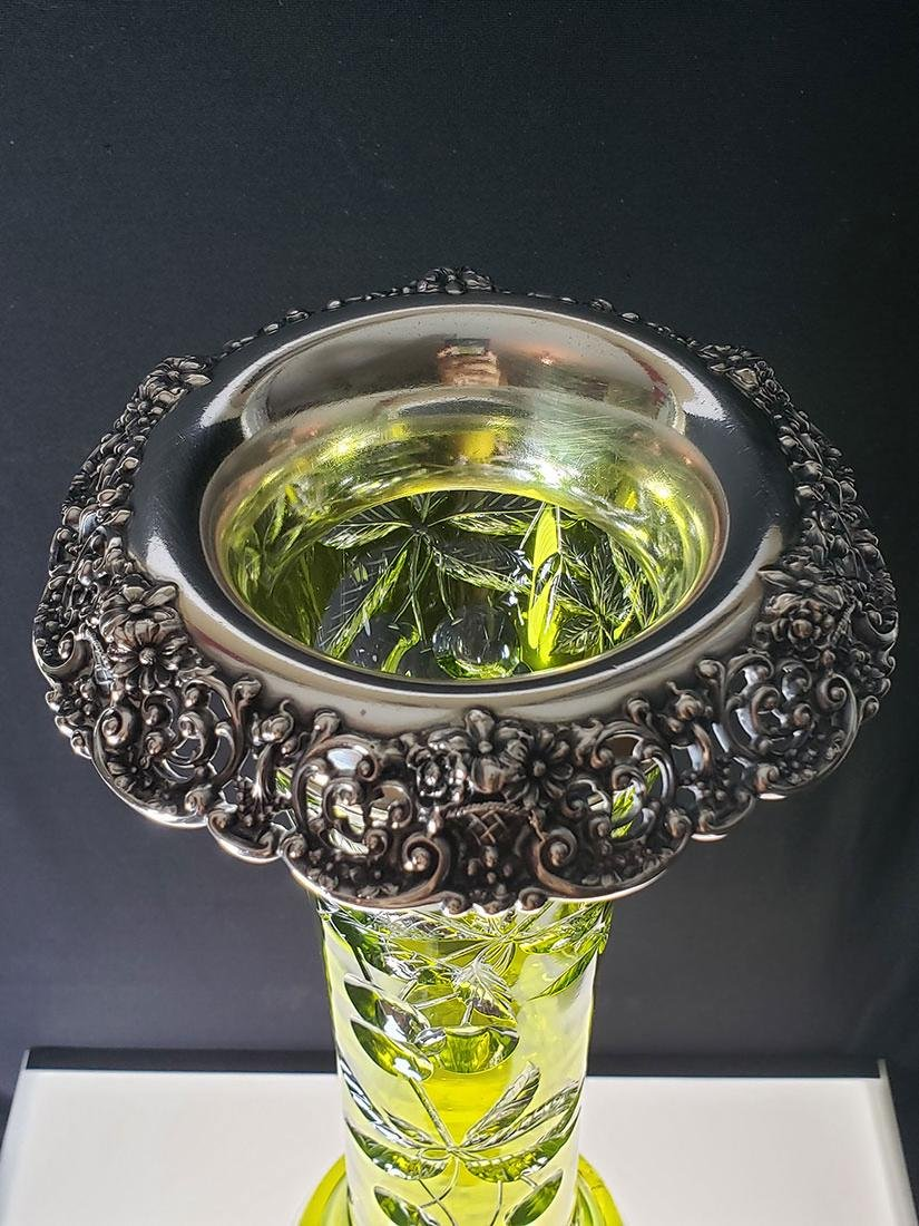 American Brilliant Period Baccarat green to clear vase - 7