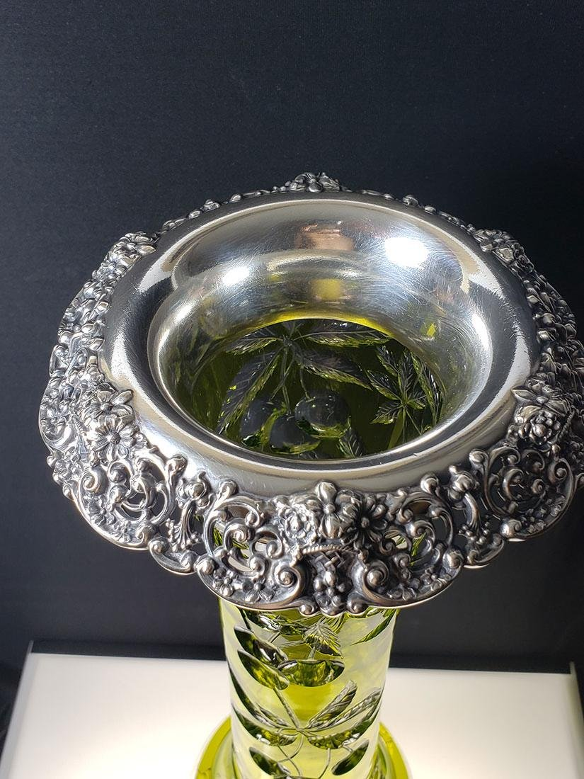 American Brilliant Period Baccarat green to clear vase - 8