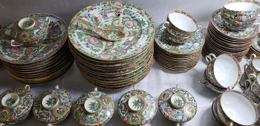 Lot of 121 pcs of Chinese famille rose dishes - 3
