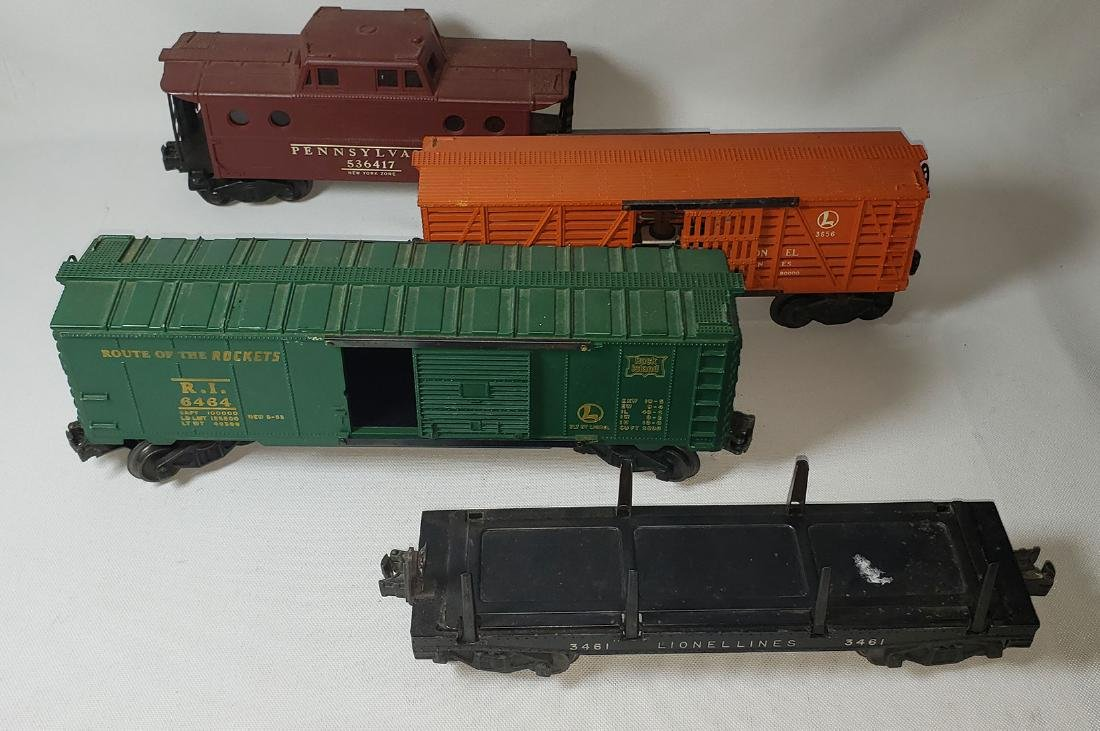 Lot of 4 Lionel Train Cars
