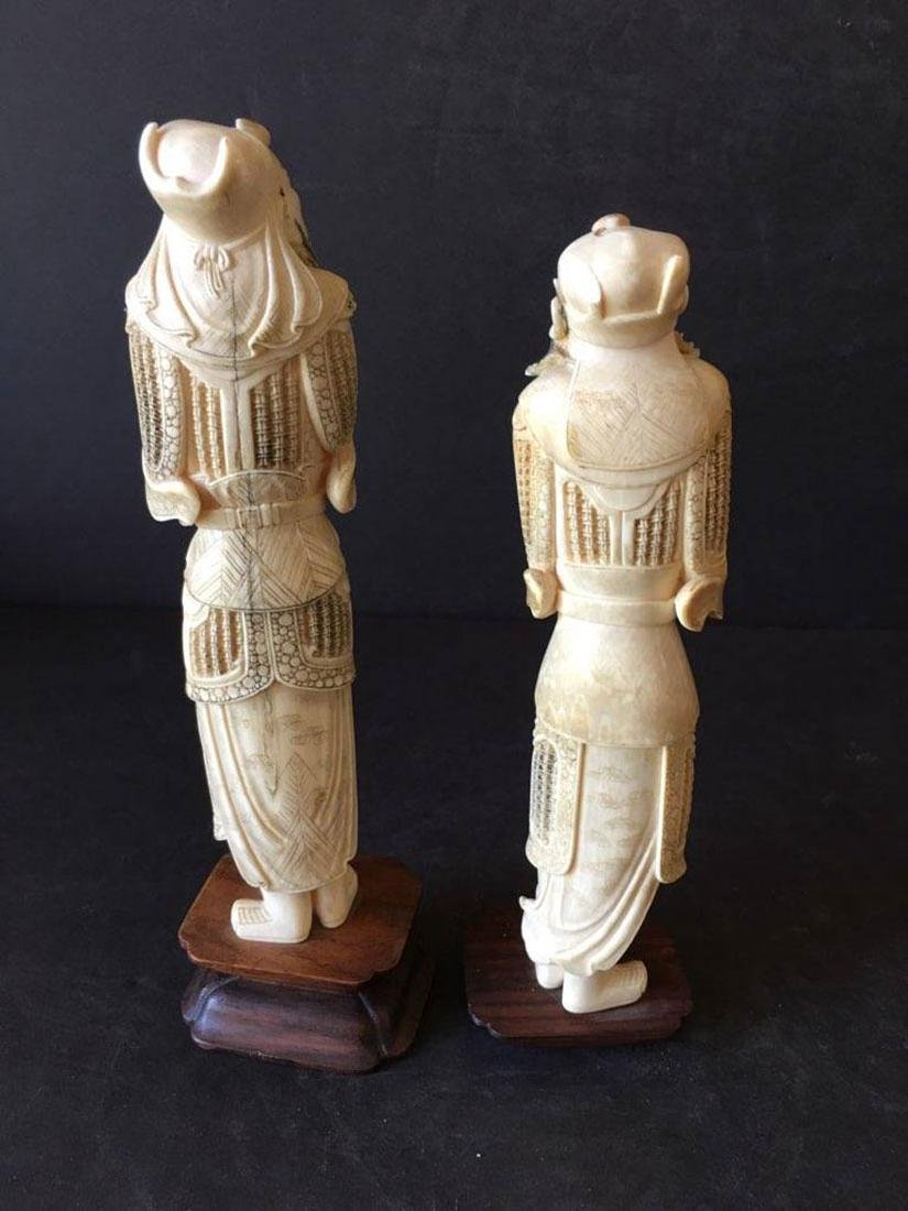 Pr of finely carved Chinese figures - 2