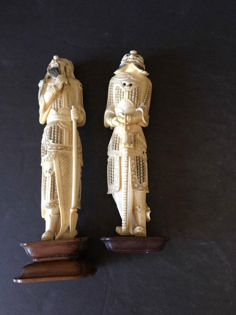 Pr of finely carved Chinese figures - 9
