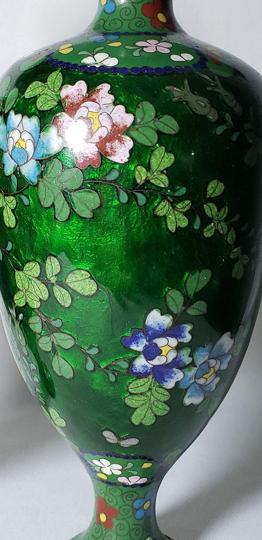 A Pair of Japanese Cloisonne Vases 19 c - 10