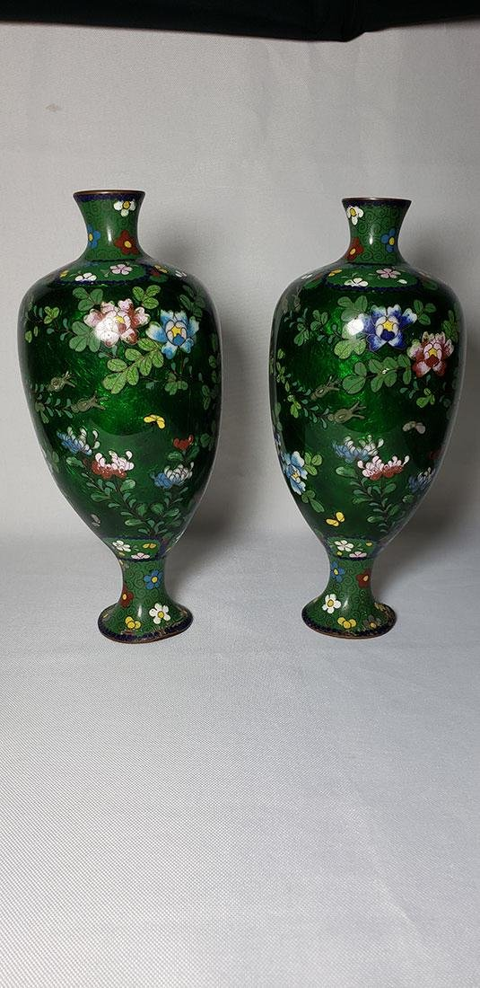 A Pair of Japanese Cloisonne Vases 19 c