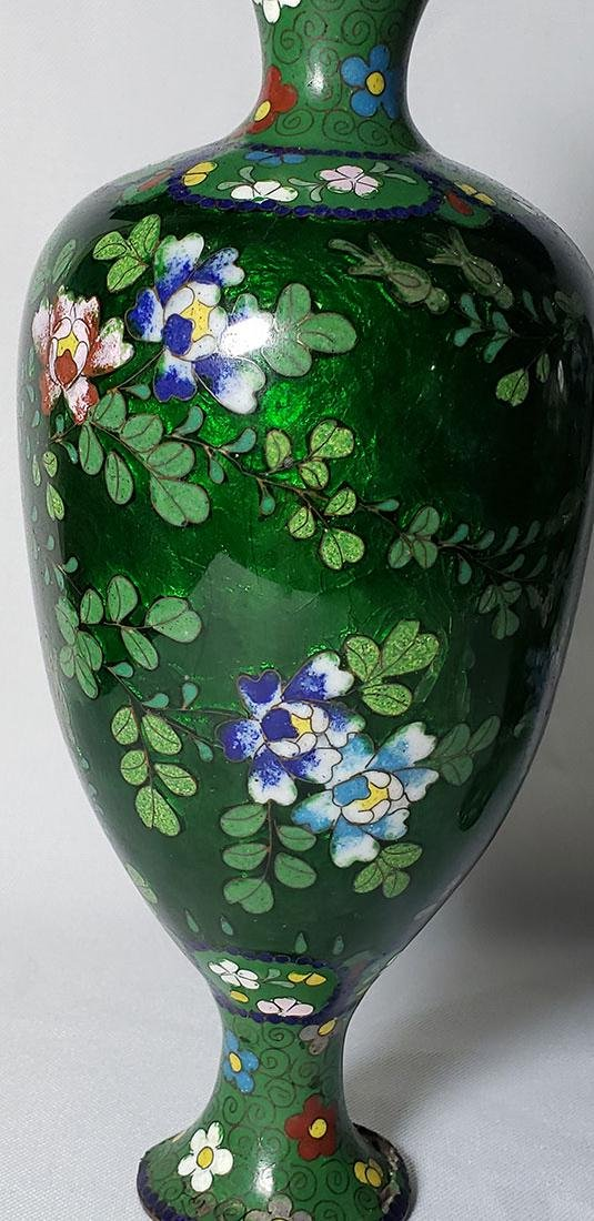 A Pair of Japanese Cloisonne Vases 19 c - 7