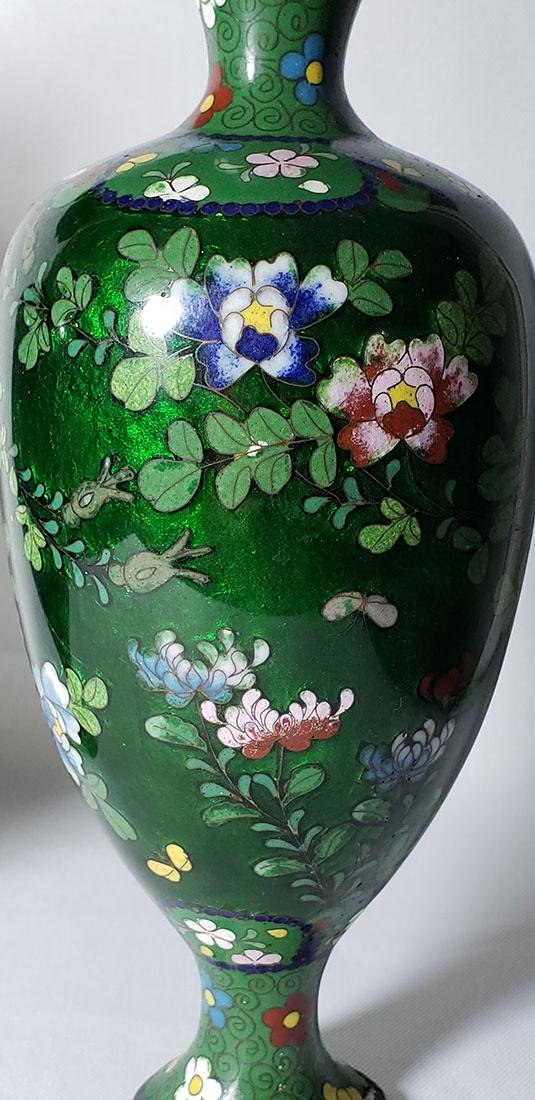 A Pair of Japanese Cloisonne Vases 19 c - 8
