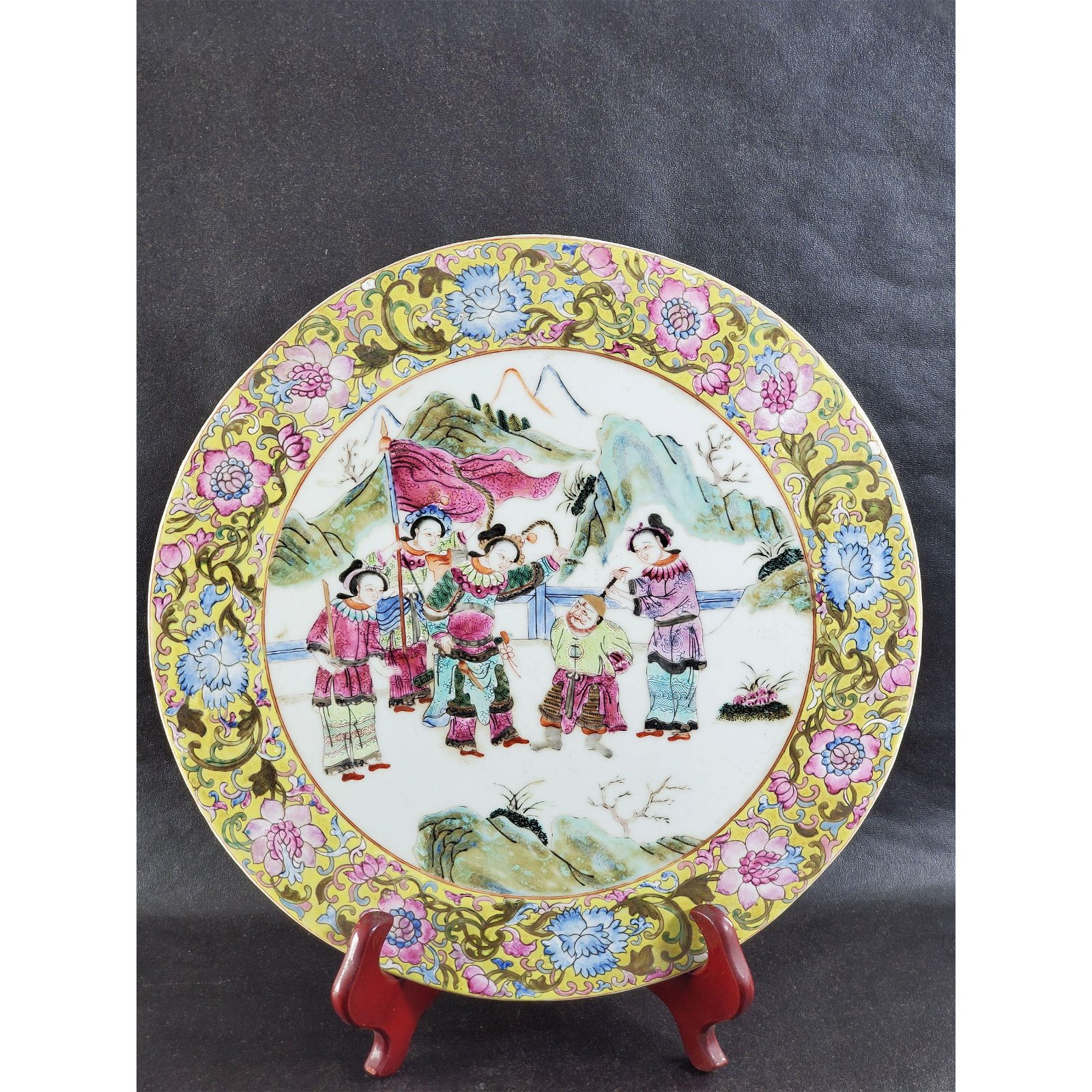 Chinese Famille Rose Plaque Round Tile