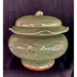 Song / Yuan dynasty Chinese lonquan kiln lotus form Jar