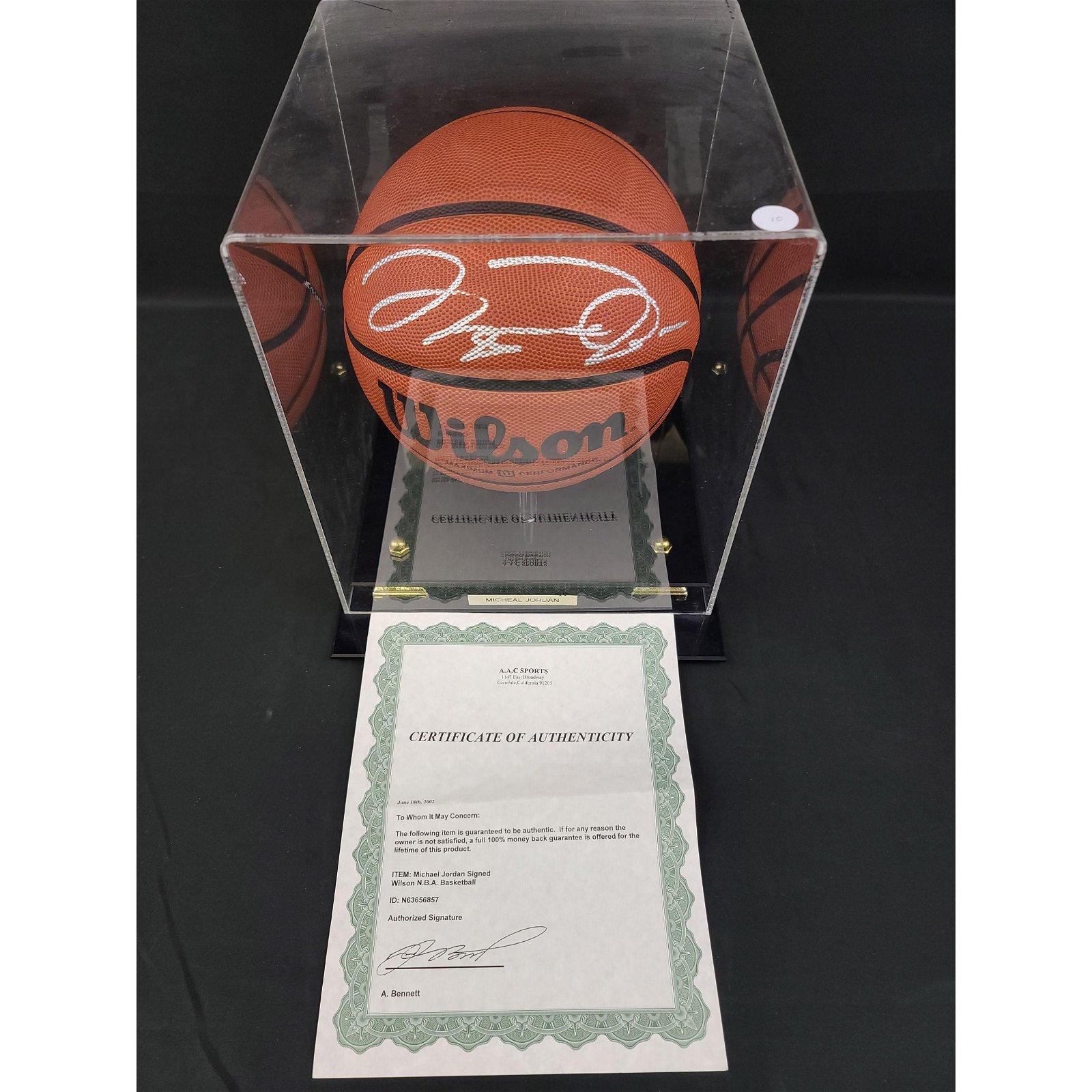 MICHAEL JORDAN Autographed Basketball w/ COA *****