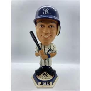 RARE DEREK JETER MLB NEW YORK YANKEES BOBBLEHEAD