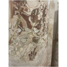 4 solid jasper columns on a white marble capital