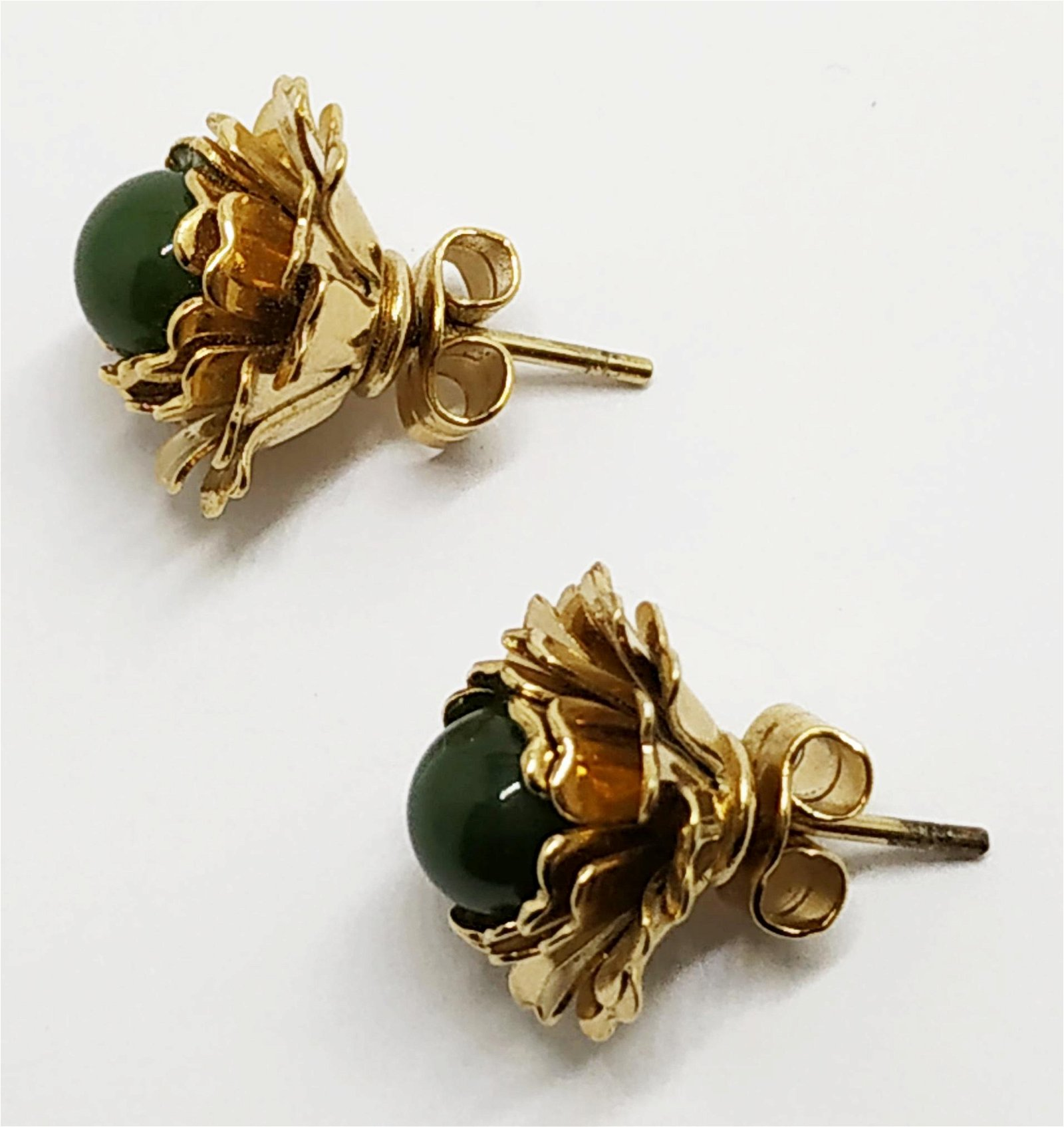 10k gold and jade floral earrings