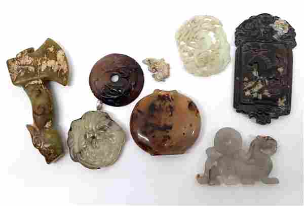 group of 8 Chinese jade and agate items qing dynasty