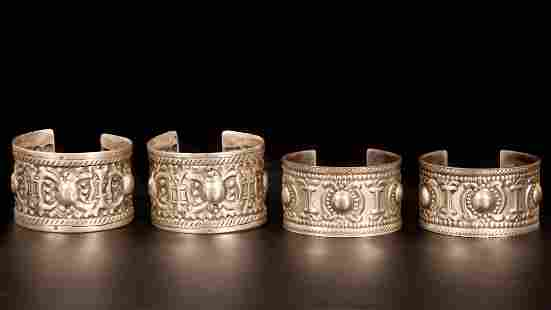 A lot of two pairs of Silver Saba Wiyat Bracelets -