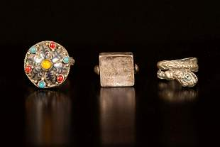 A lot of three antique rings - Caucasus / Iran
