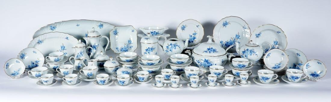 Hutschenreuther Chateau Blue China Service