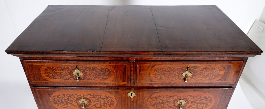 Mahogany Queen Anne Inlaid Chest on Stand - 8