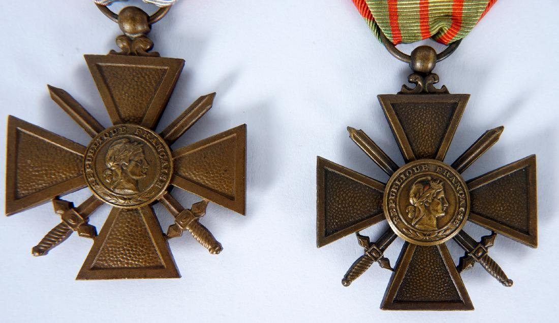 Collection of 15 French WWI / WWII Medals - 2