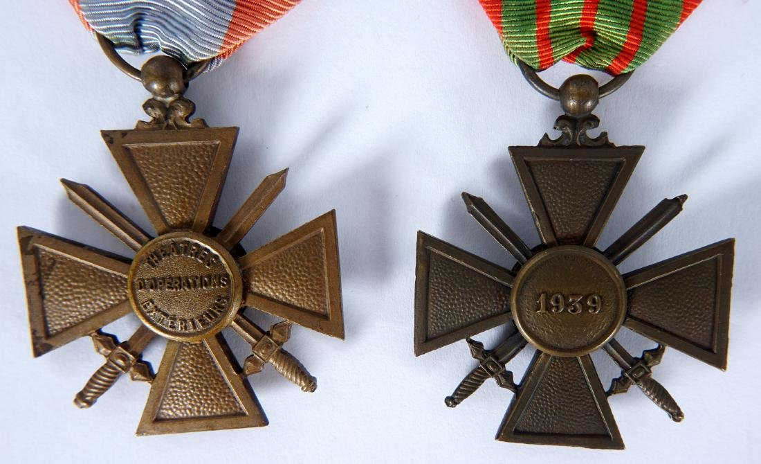 Collection of 15 French WWI / WWII Medals - 3