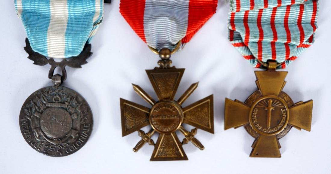 Collection of 15 French WWI / WWII Medals - 5