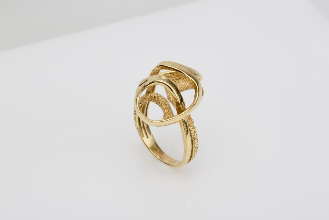 18K FASHION SWIRL COCKTAIL RING SIZE 6 - 2