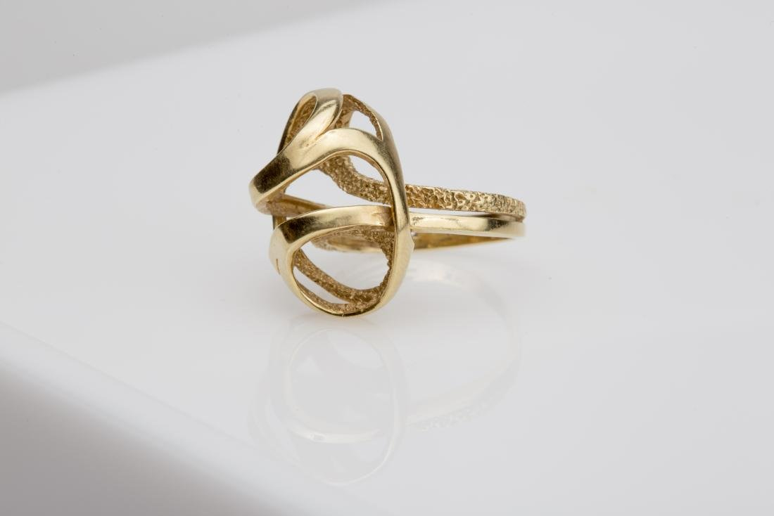 18K FASHION SWIRL COCKTAIL RING SIZE 6 - 4