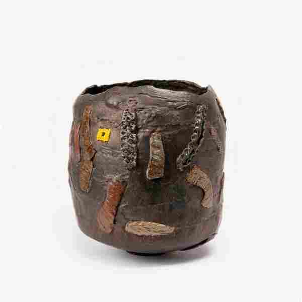 LEE LYON / Massive Embellished Pinch Pot (1980s)