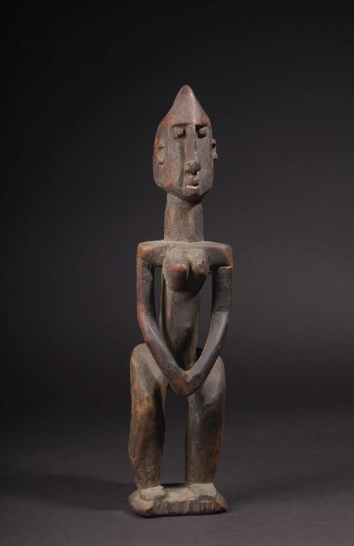 EARLY 20TH C. DOGON, WAKARA STYLE STANDING FEMALE