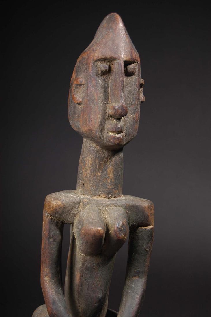 EARLY 20TH C. DOGON, WAKARA STYLE STANDING FEMALE - 2