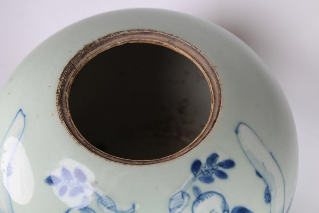 Early Antique Chinese Porcelain Ginger Jar - 3