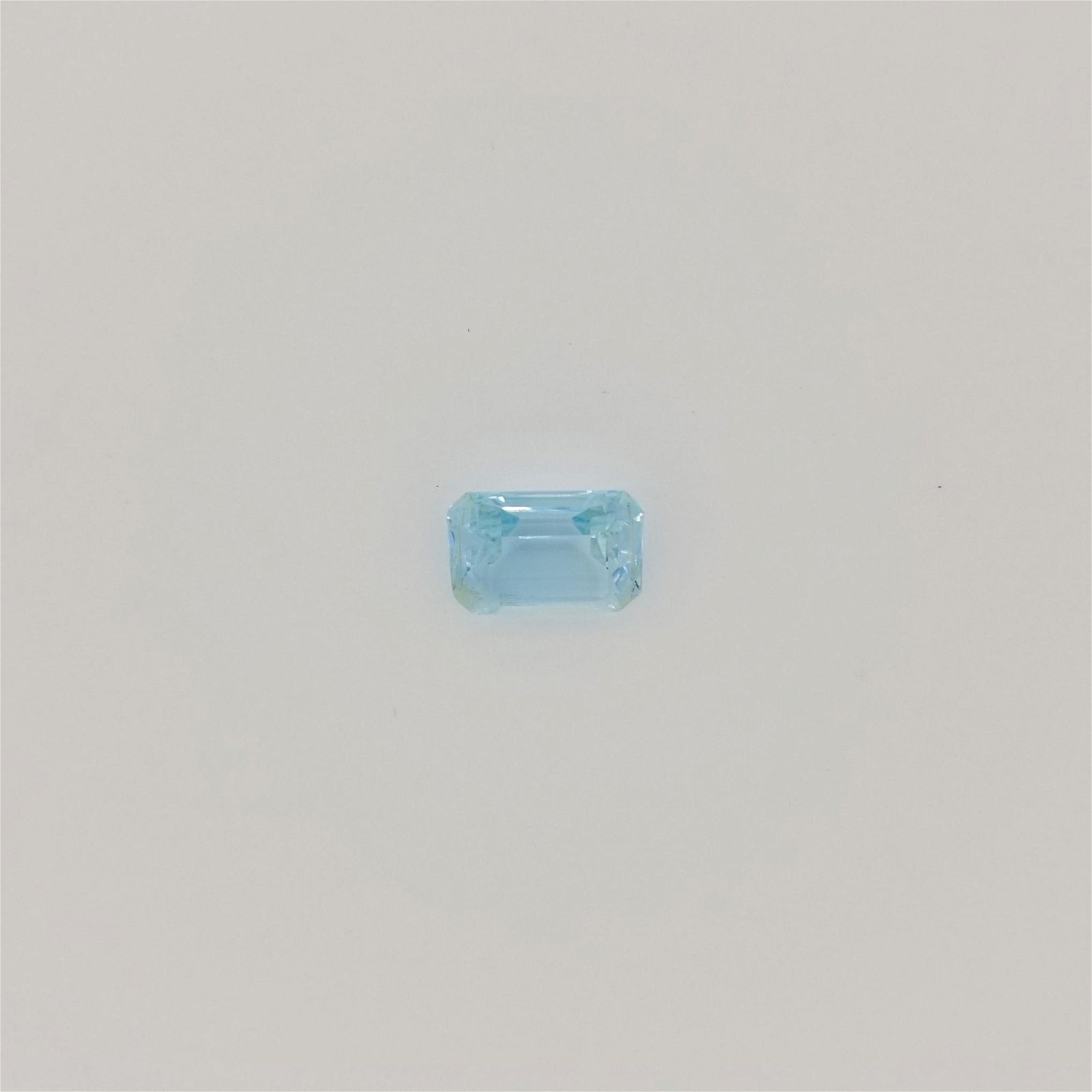 13.4 cts Blue Topaz