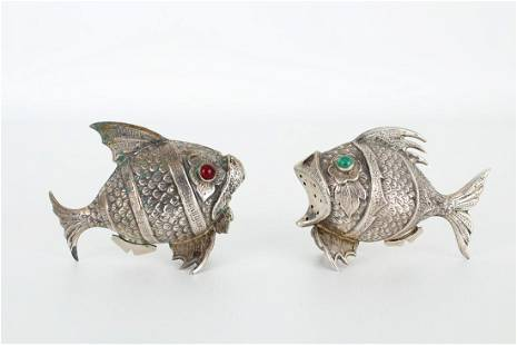 (2) Silver Fish Form Salt & Pepper Shakers