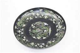Pair of large Chinese dragon and phoenix plates