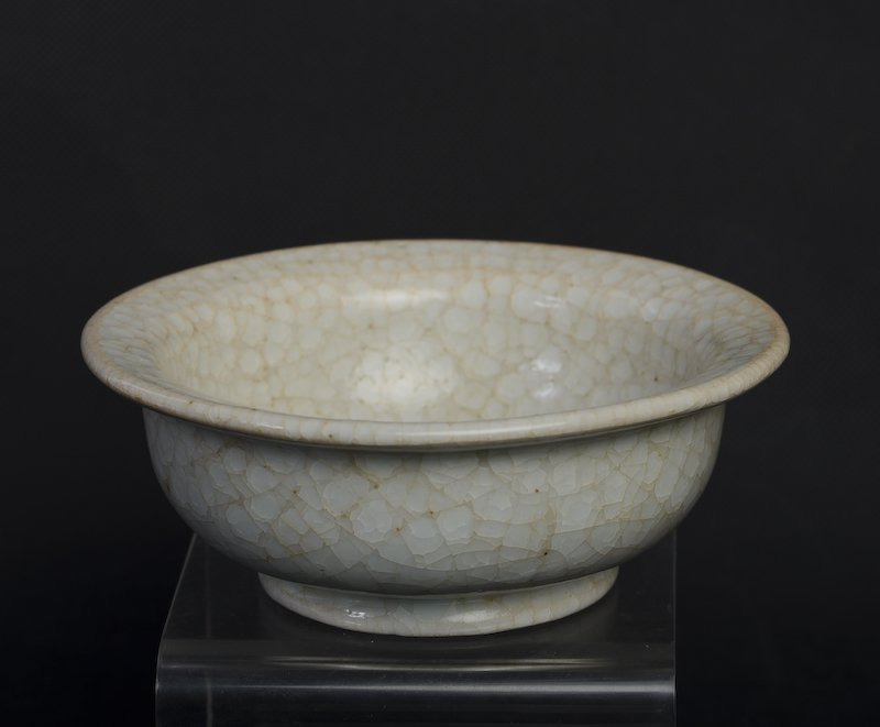 A rare Chinese whitish porcelain bowl - 3