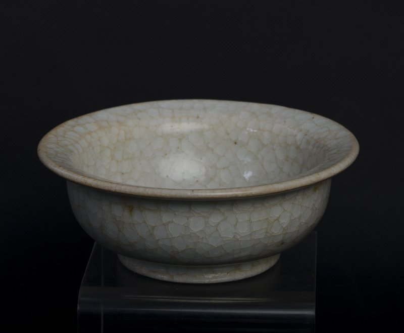 A rare Chinese whitish porcelain bowl - 5