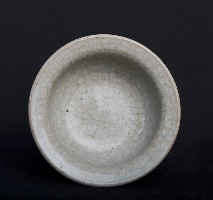A rare Chinese whitish porcelain bowl - 8