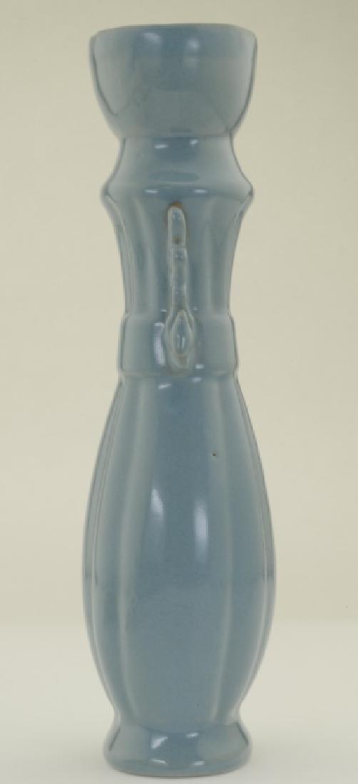 A superb Chinese 'Ru' kiln sky- bluish tall bottle vase - 3