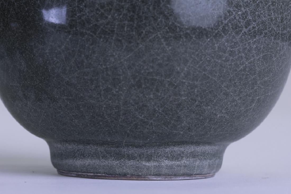 A nice Chinese YU HU Chung Ping vase - 8