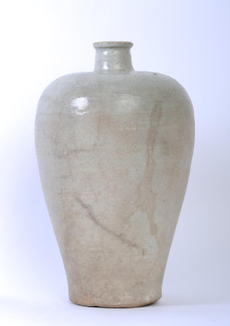 A Chinese Song dynasty whitish Mei Ping vase - 2