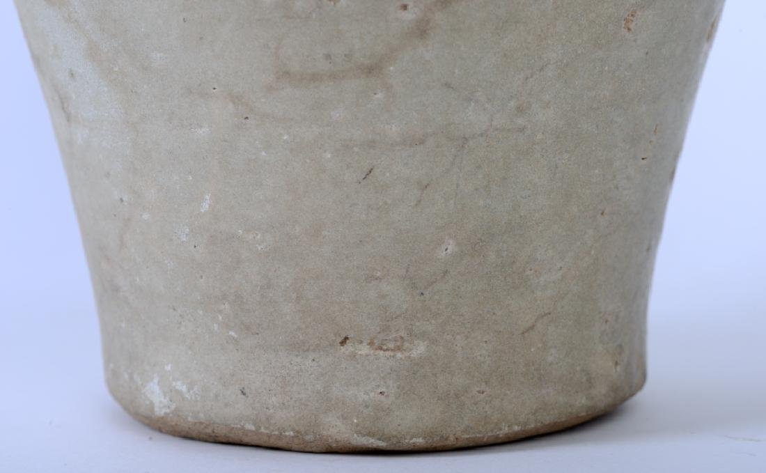 A Chinese Song dynasty whitish Mei Ping vase - 8