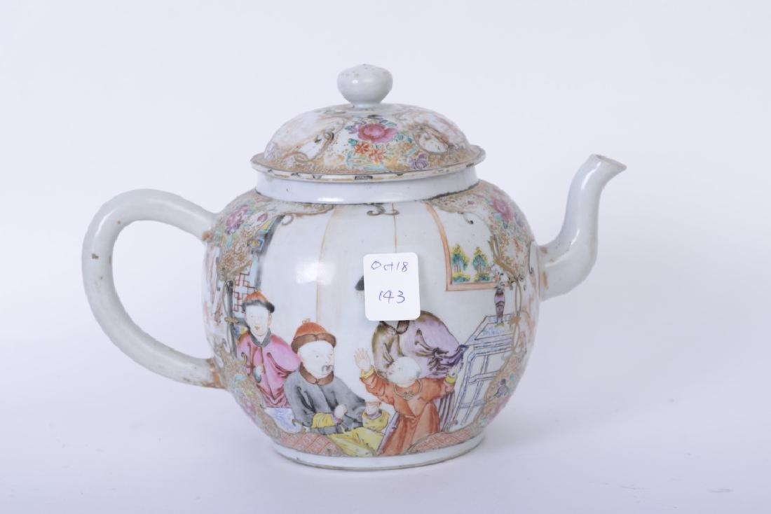 A Chinese export Qianlong famille rose teapot - 3