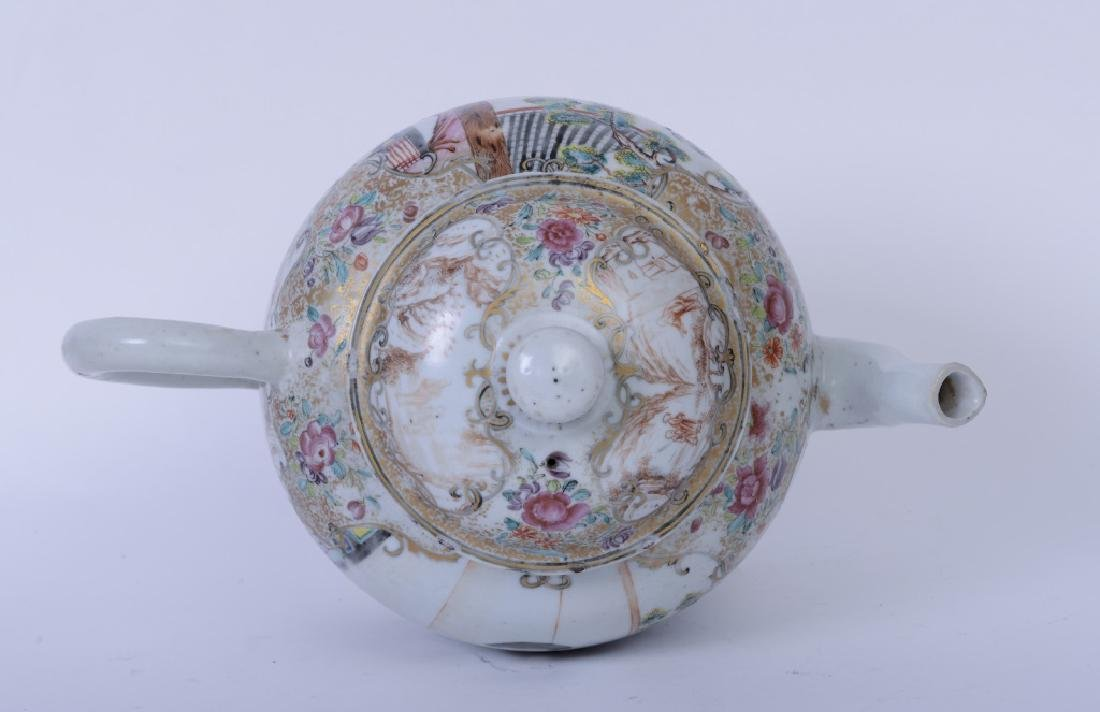A Chinese export Qianlong famille rose teapot - 6