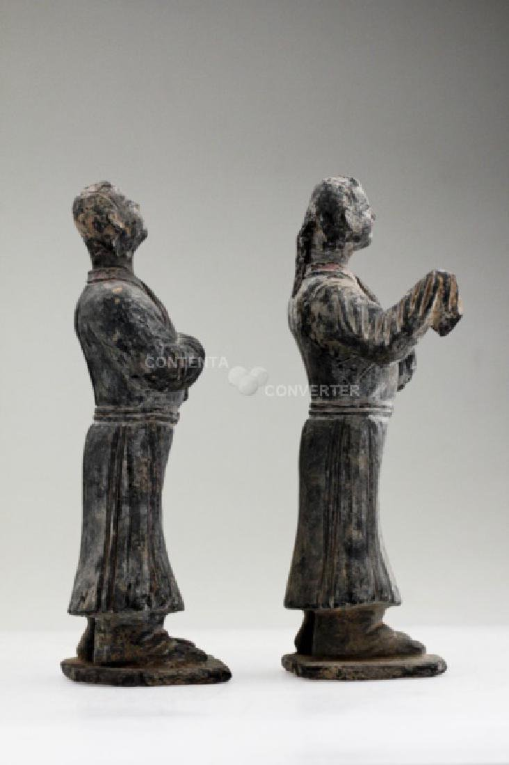 A pair of Han dynasty pottery officer figures - 5