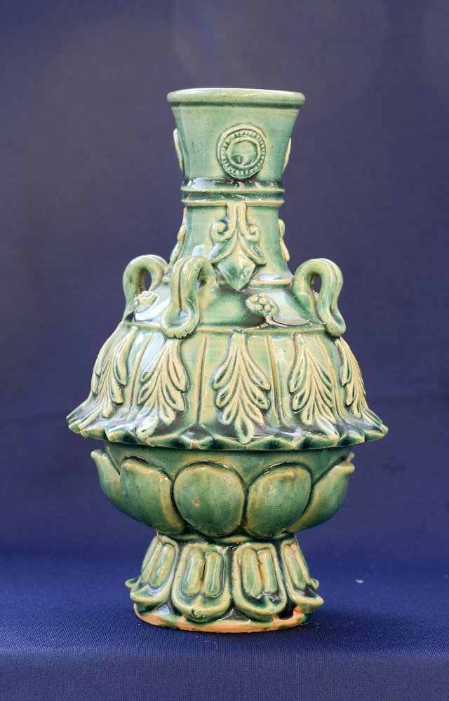 A nice Chinese ceramic greenish glaze vase - 2
