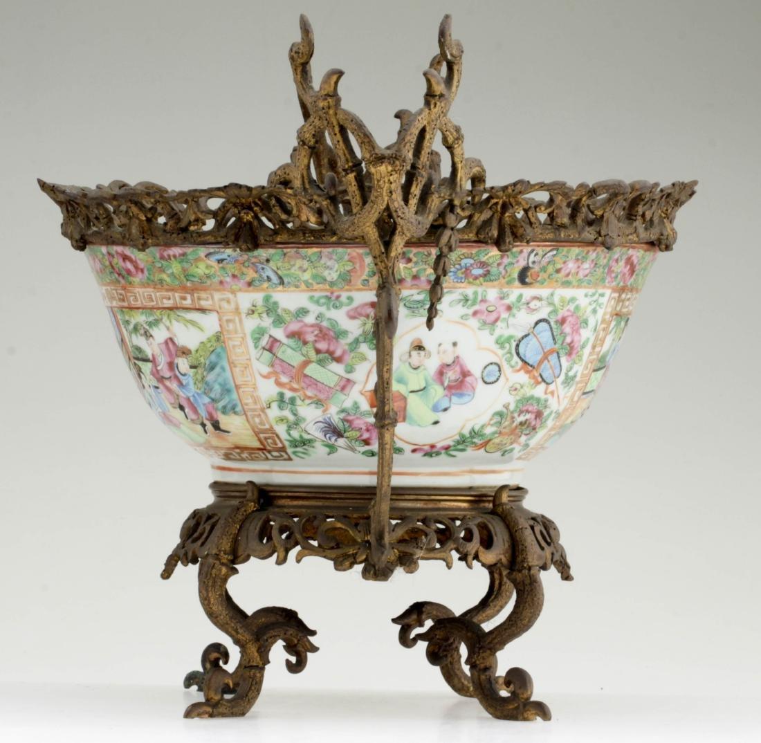 Nice Chinese export rose medallion porcelain bowl - 2