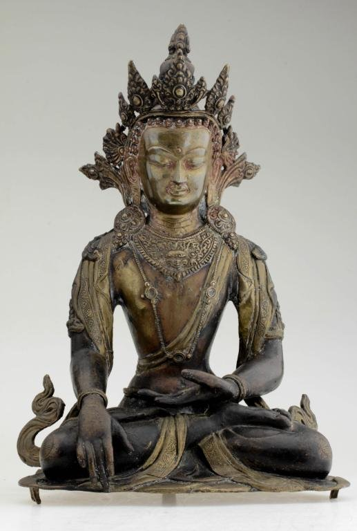 A large fine Chinese bronze Buddha figure.